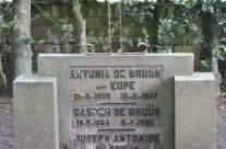 Tombstone Tuesday: De Bruijn
