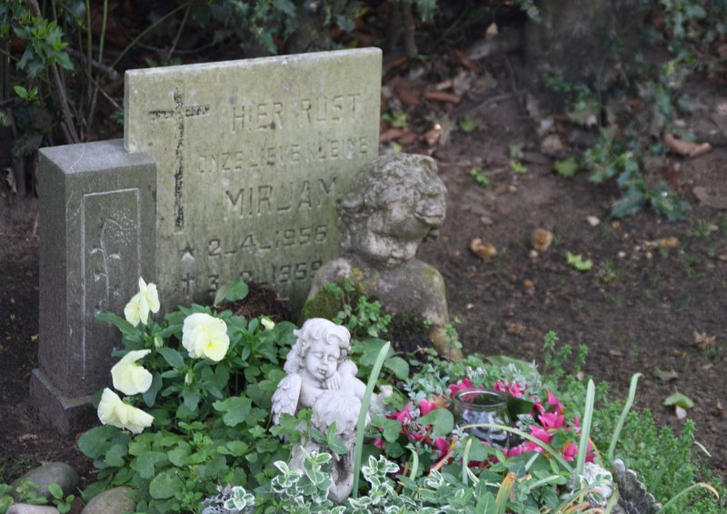 Tombstone of infant Mirjam, Catholic Cemetery,  Naarden