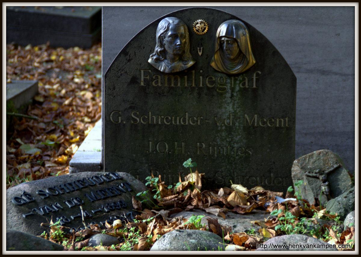 Schreuder family grave, cemetery of Oud Leusden