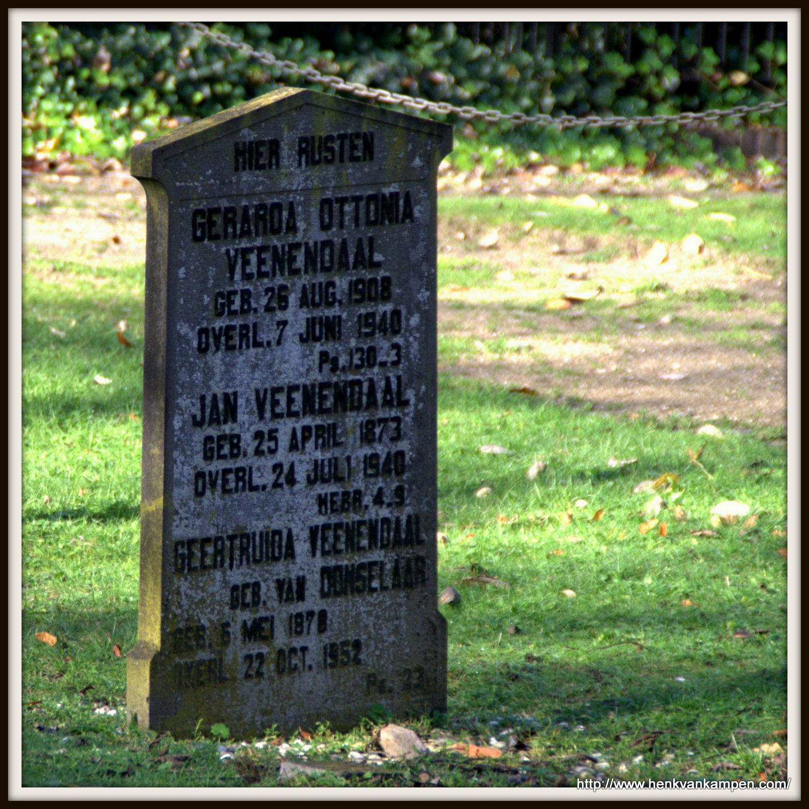 Veenendaal family grave, cemetery of Oud Leusden