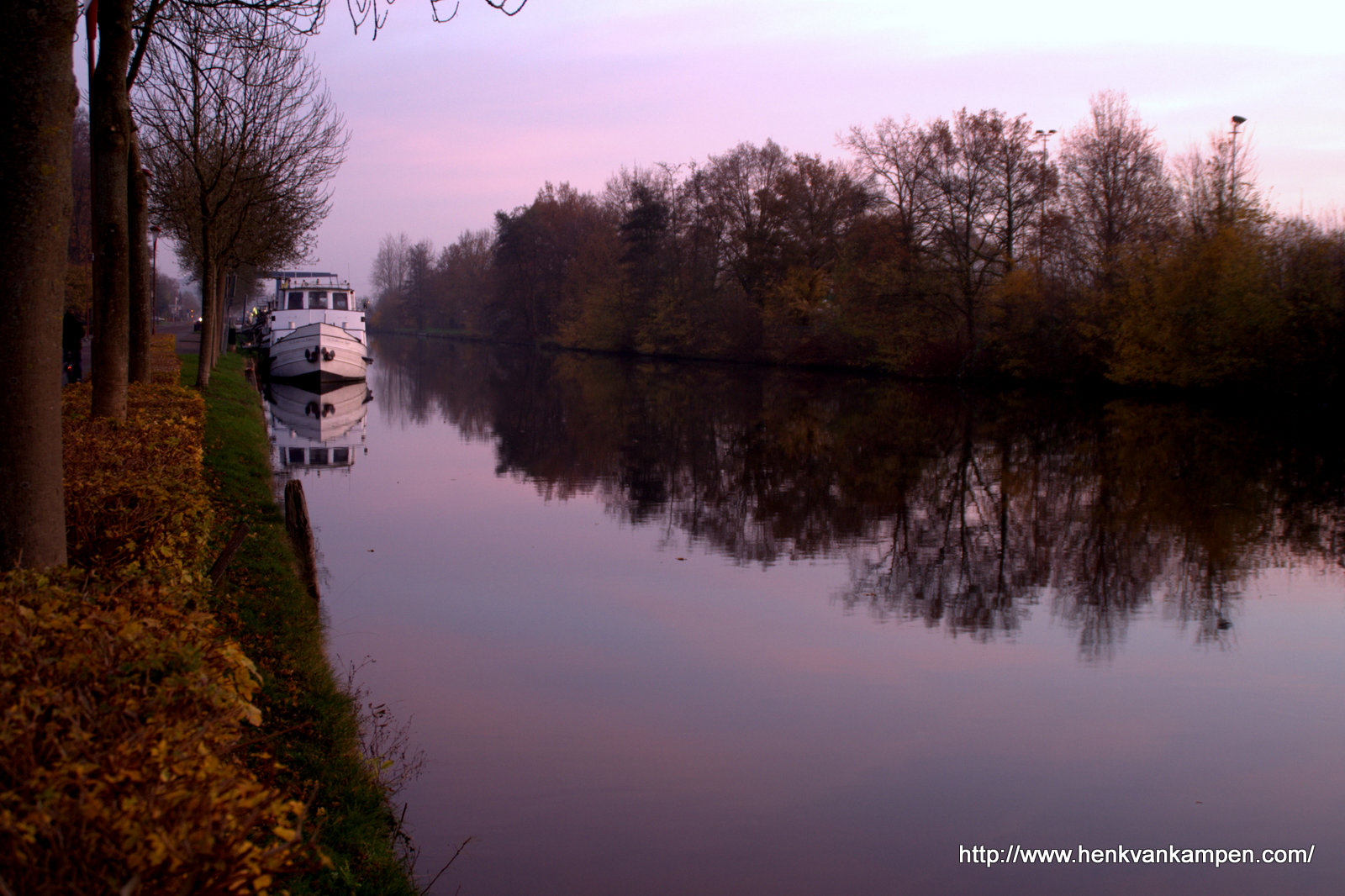 The Merwede canal at dawn