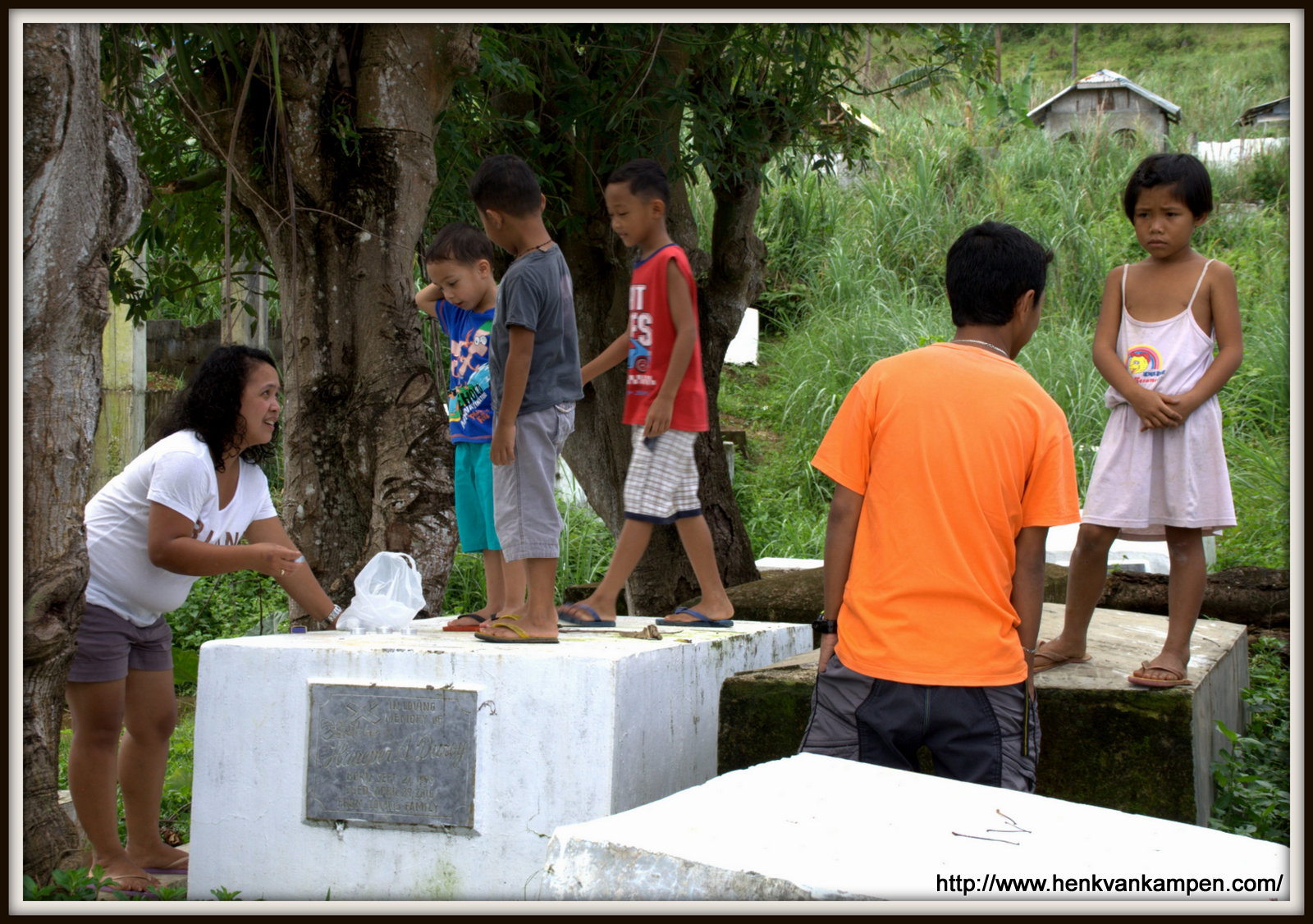 At the tomb of Haneper Duroy (1939-2010)
