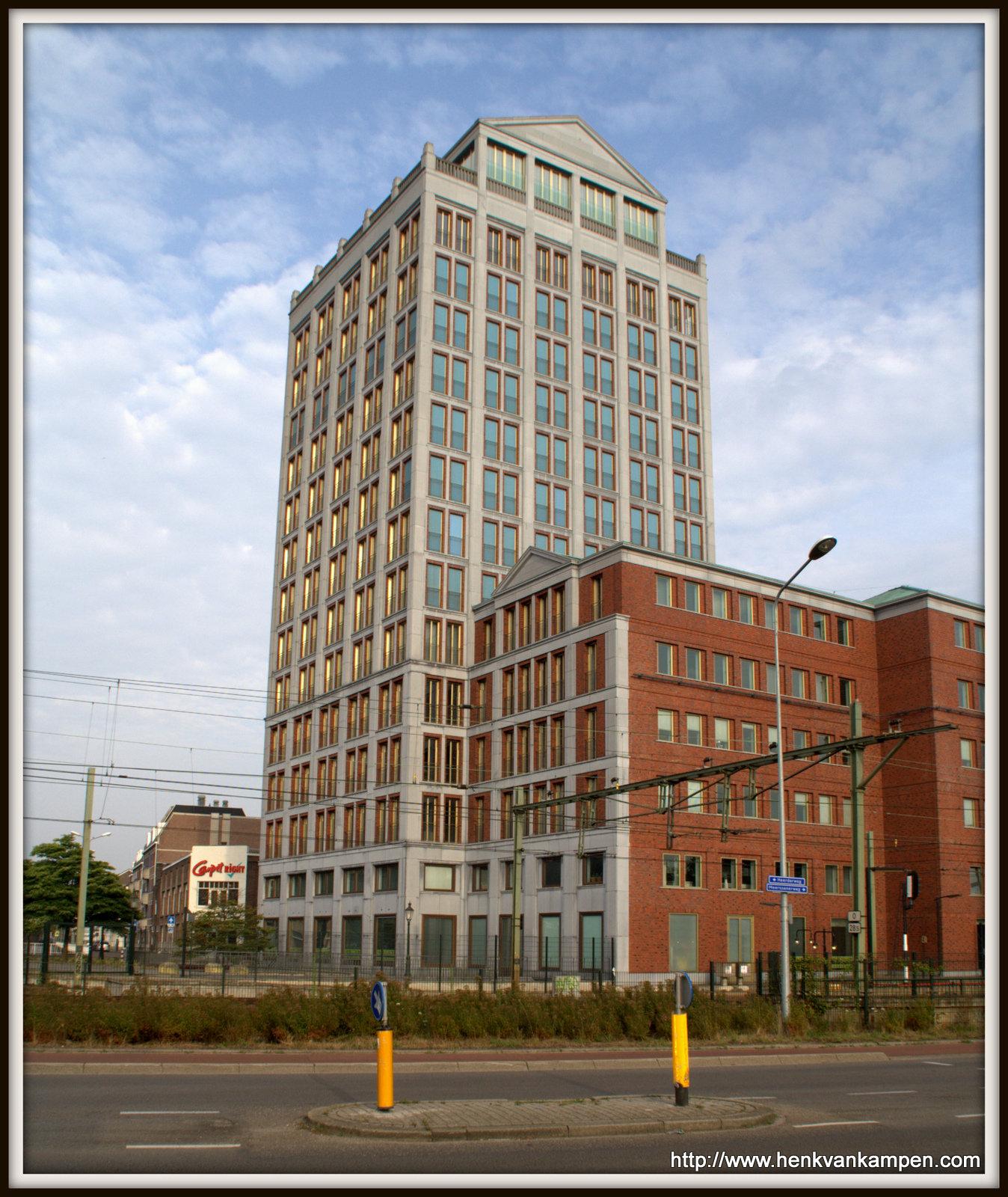 Apartment block, corner Spoorweglaan and Akerstraat