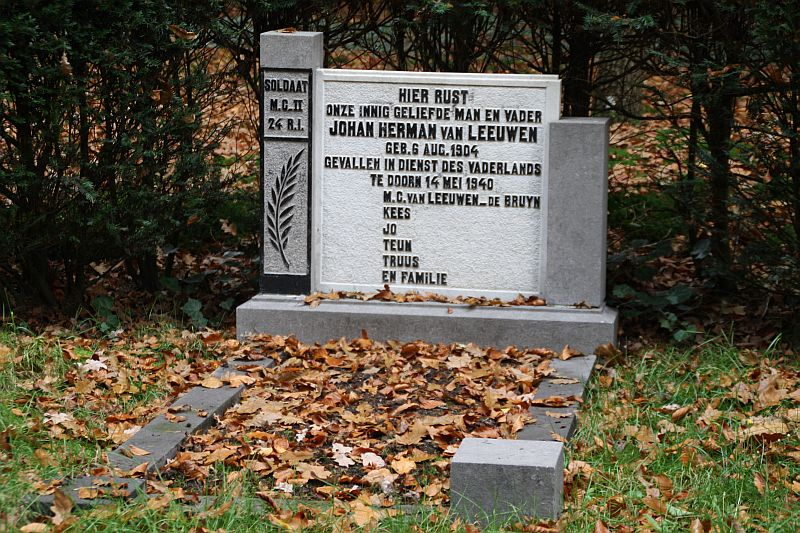 Tombstone of Johan Herman van Leeuwen, Old Cemetery, Doorn