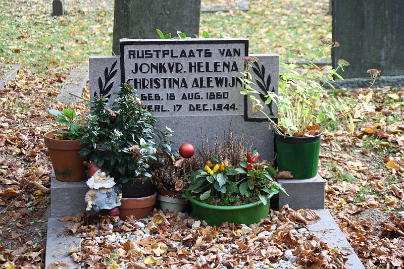 Tombstone, Old Cemetery, Doorn