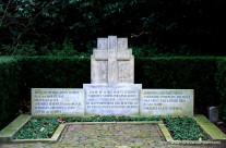 War monuments in Leersum